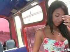 follando en el autobus